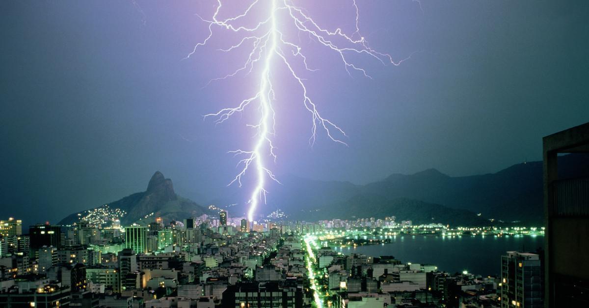 Jagged lightning
