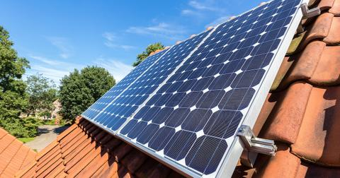 solar-power-cheaper-coal-1602603746829.jpg