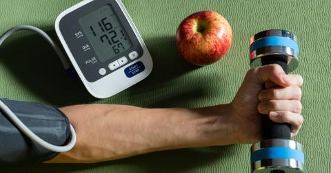 how-to-lower-blood-pressure-naturally1-1604345279504.jpg