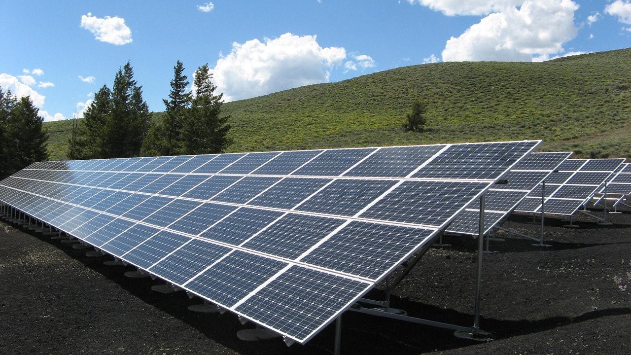 solar-panel-array-power-sun-electricity-159397(2)-1536785474078-1536785475968.jpeg